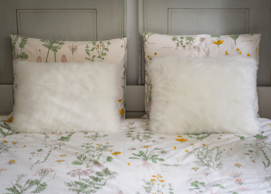 Decorative faux fur pillow ANGELO
