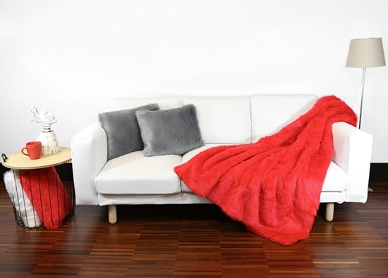 Decorative faux fur set, bedspread FIRE JAZZ and two pillows SHAGGY