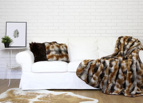 Poduszka dekoracyjna z futra GOLD ELEGANCE